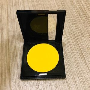 MAKE UP FOR EVER professional eye shadow yellow